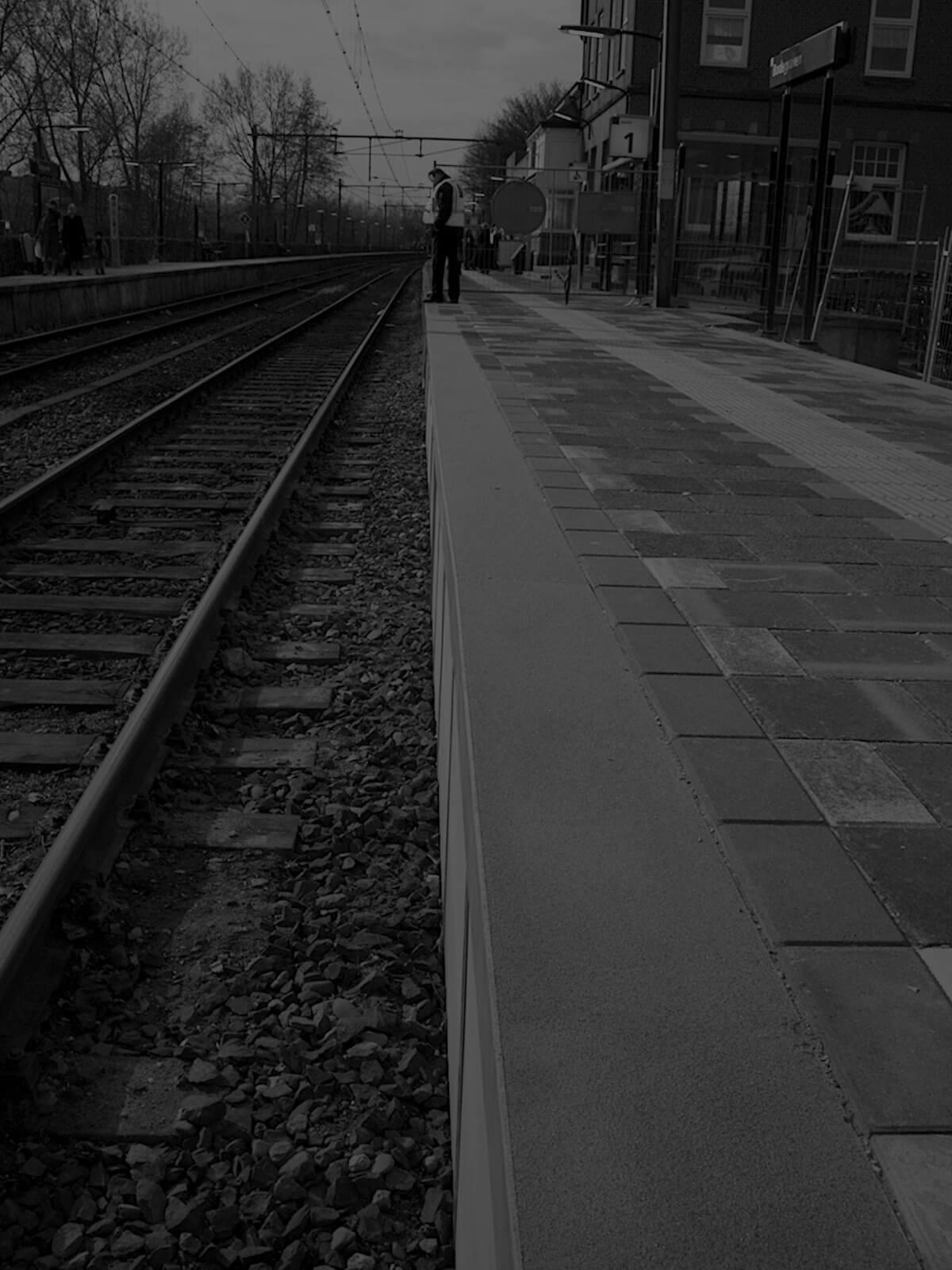 Profilés-en-PRV-krafton-pour-les-infrastructures-ferroviaires