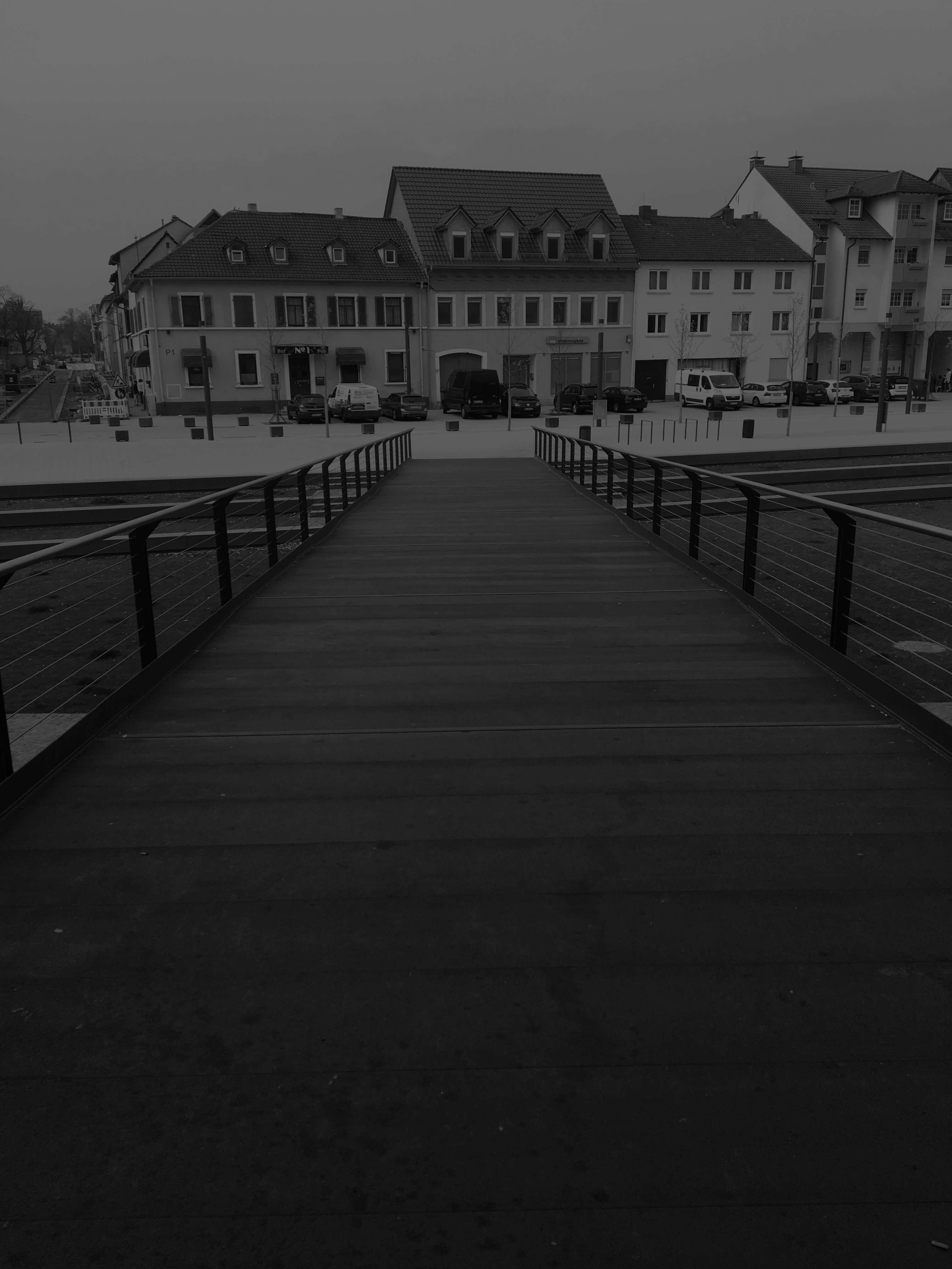 Pont-sur-la-Paradeplatz-krafton